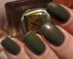 Metallic Sage swatch (sunlight)