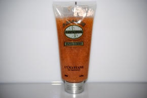 L'Occitane Almond Shower Scrub (upright 2)