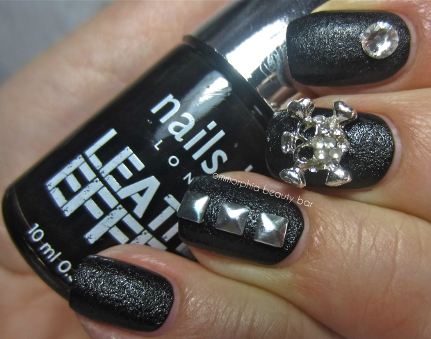 nails inc. Leather Effect 3 embellishments