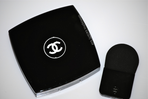 Chanel Illuminating Powder compact & applicator