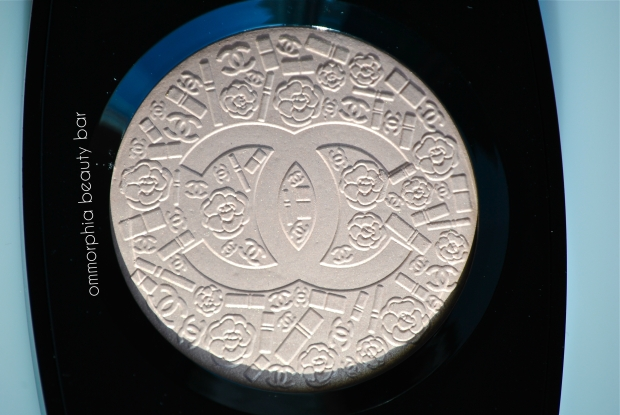 Chanel Illuminating Powder natural light