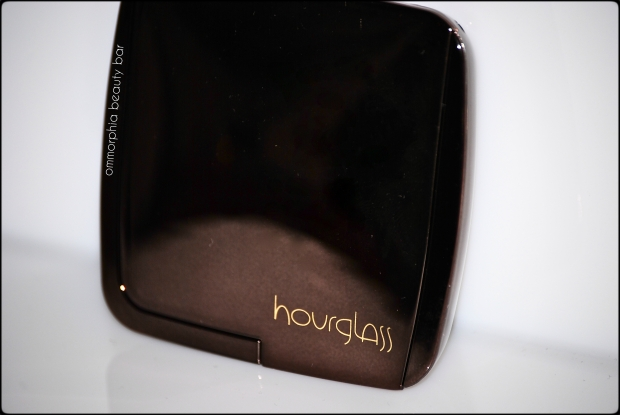 Hourglass Dim Light compact