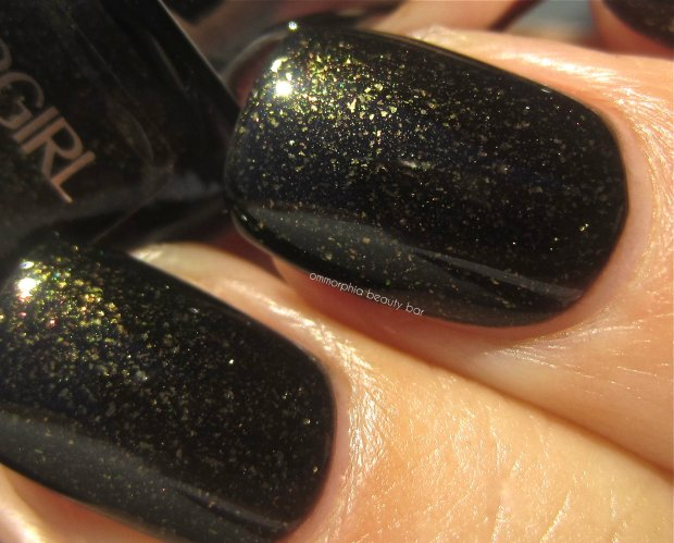 CG Black heat macro swatch