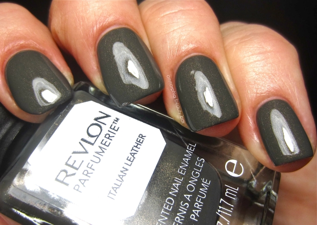 Revlon Italian Leather swatch 3