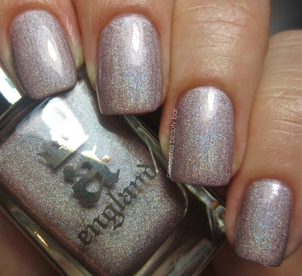 a-england Her Rose Adagio swatch 2