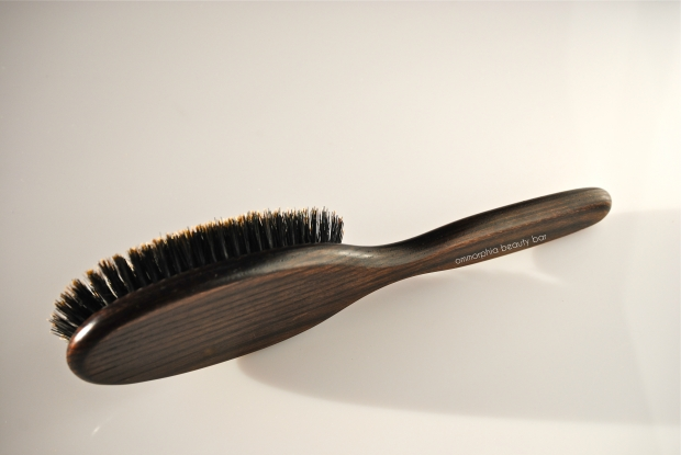 Moroccanoil Classic Brush back