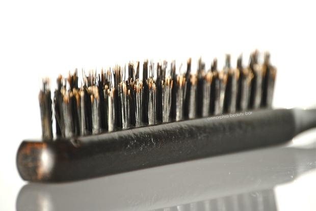 Moroccanoil Teasing Brush bristles 2