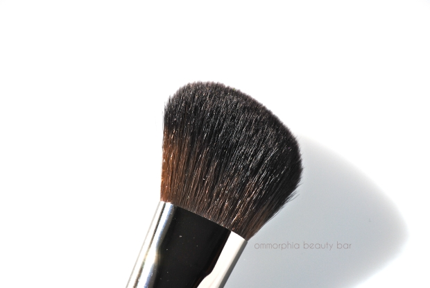 MUFE #150 Precision Blush Brush 2