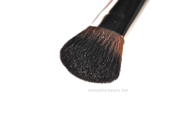 MUFE #150 Precision Blush Brush 3