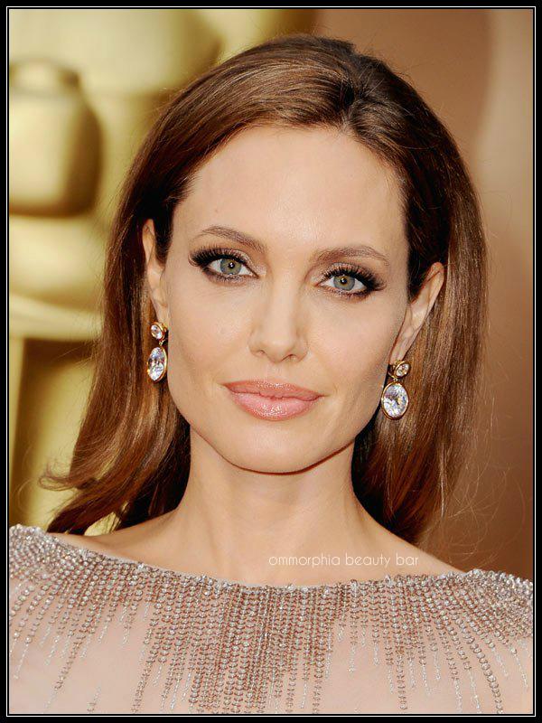 Angelina Jolie makeup Oscars 2014
