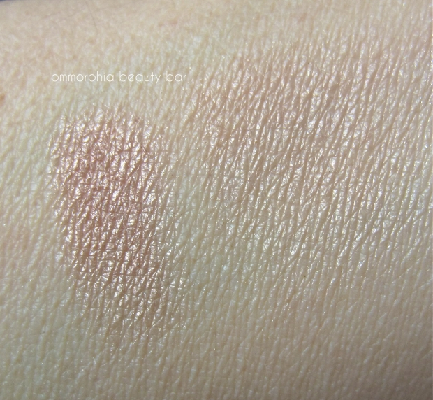 CHANEL Dentelle Precieuse swatch 2