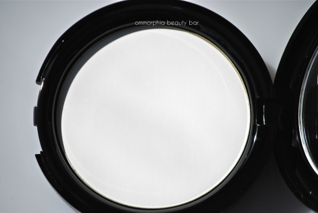 MUFE HD Pressed Powder macro