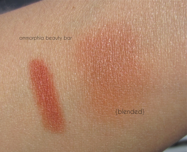 CHANEL Canaille swatch