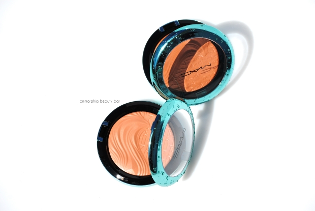 MAC Extra Dimension Bronzing Powders closer