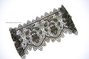 SAPPHÔ metallic lace cuff
